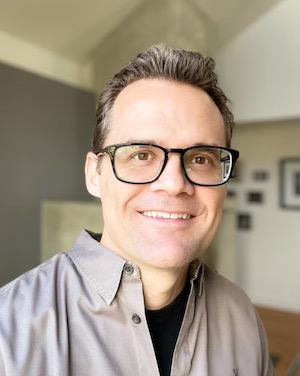 David-Eric-Tomlinson-author-portrait